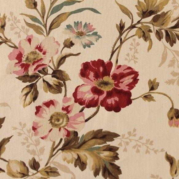 ランドリー・バスケット・キルトのエディータがデザインした薄いベージュに花を一面に描いた生地です。一見とても地味ですが使っている色はなんと15色、青い花にピンク...|ハンドメイド、手作り、手仕事品の通販・販売・購入ならCreema。