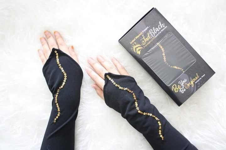 Myhijab butik store Gold snake handsock