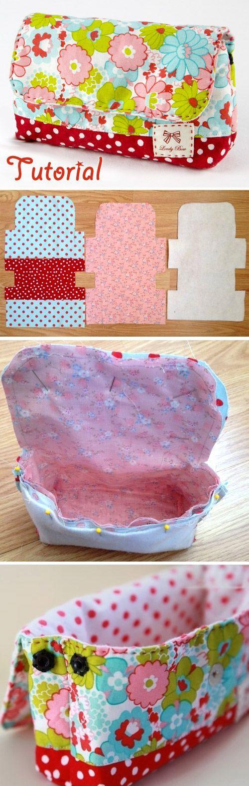 Patrones de costura: Messenger Bags, Bags cotidianas;  Servicio de lavandería Bolsa Tutorial http://www.handmadiya.com/2015/10/cosmetic-bag-with-pattern.html: