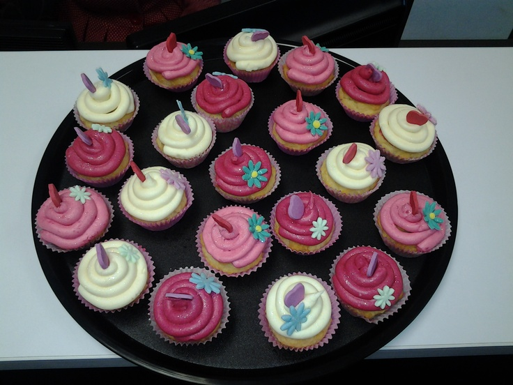 Our awesome Sales Manager baked us some Valentine's cupcakes yesterday :)