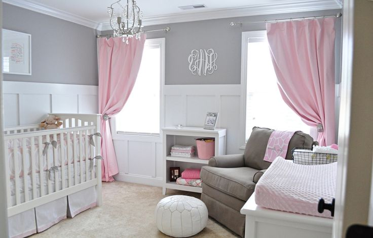 Girls pink and grey room.
