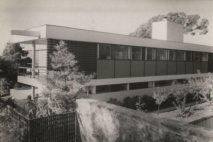 Summer Homes. Rıza Derviş House, Büyükada. Architectural design: Sedad Hakkı Eldem. SALT Research & Rahmi M. Koç Archive, Sedad Hakkı Eldem Archive