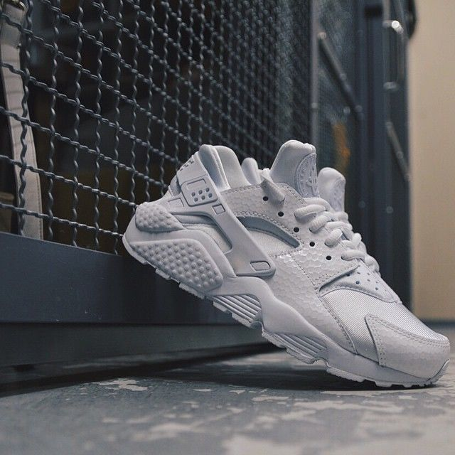 nike huarache mens footlocker