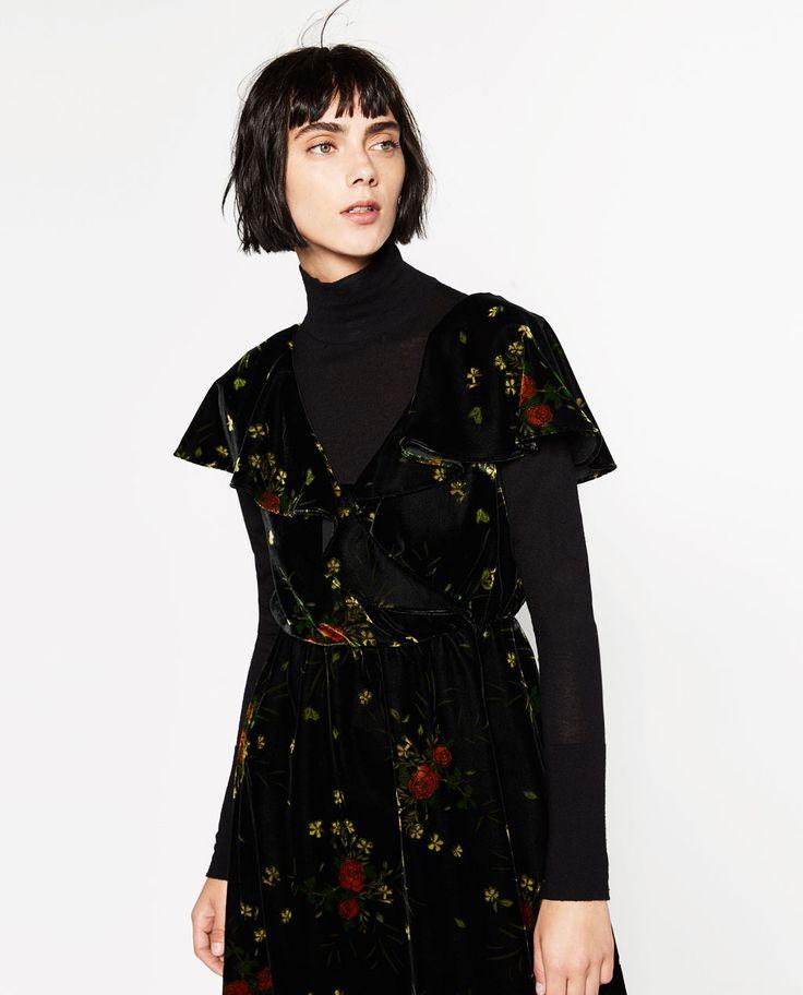 Image 4 of PRINTED VELVET DRESS from Zara
