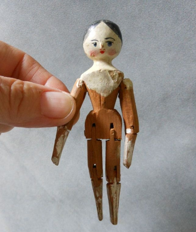 Antique Miniature Hand Carved Wood Penny Doll In Old Paint Woodens Peg Hing Dolls Dollhouse Toys