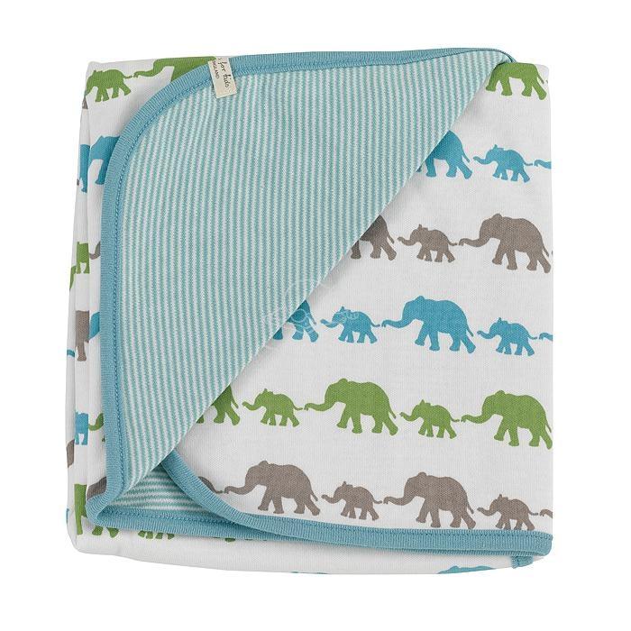 Die Babydecke mit Elefanten in blau-grün-braun von organics for kids deckt die Neugeborenen sanft und schützend zu. Die Decke ist wendbar. Auf der einen Seite sind schmale Streifen in türkis und auf der anderen bunte Elefanten.