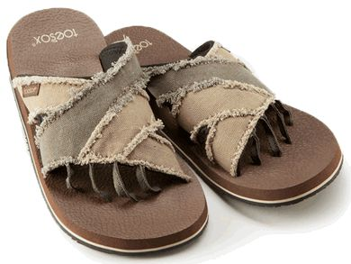 a08b0fff359a3 ToeSox Bohemian - Men s Five Toe Sandals are nature-inspired for outdoor  enthusiasts.  49.95
