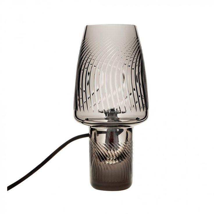 Une lampe de chevet pour votre chambre coucher for Verre pour lampe de chevet