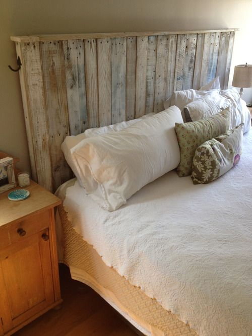 Diy beautiful headboard made out of shipping pallets for How to make a headboard out of pallets