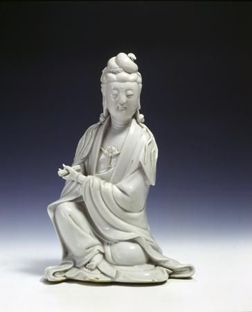 Figura di guanyin  Cina, Dehua, dinastia Qing,  era Kangxi (1662-1722)  Porcellana