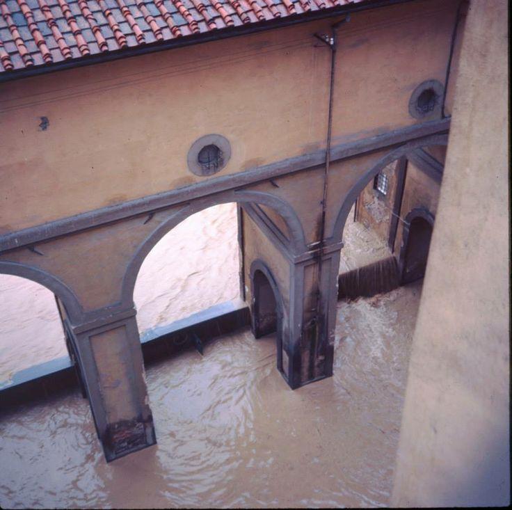 The flood. 4 November 1966. The Vasari Corridor, Florence.