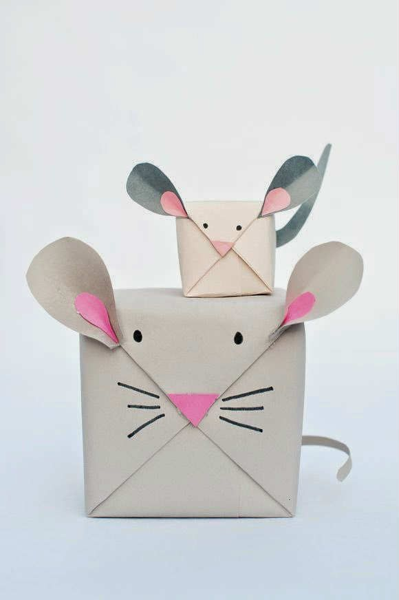 DIY holiday mouse gift wrap | 10 Cute and Creative Gift Wrapping Ideas - Tinyme Blog