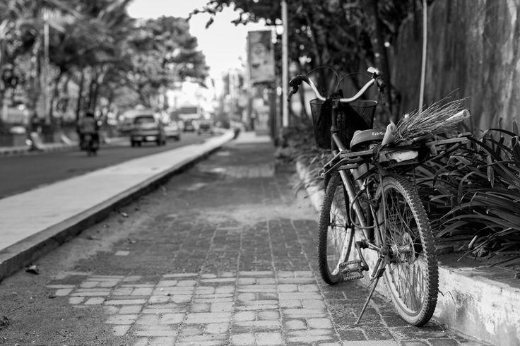 Sepeda Tukang Sapu Jalan | Ditrotoar