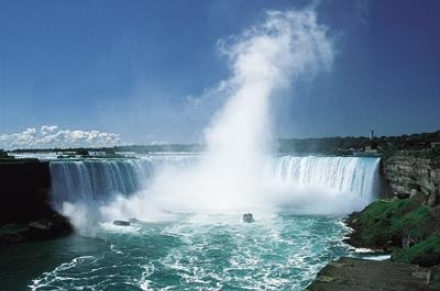 Live... 24/7 of the The Canadian Falls from the Hilton Fallsview Hotel, Webcam. See the American Falls or both falls.
