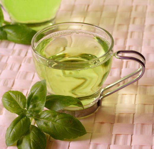 Green tea is known to have powerful antioxidant properties, and inhibits the formation of age-induced collagen cross-linkings. Two to three cups of green tea a day can prevent age spots and wrinkles, and may also protect against cardiovascular and other diseases caused by damaged collagen. An extract of green tea has also been shown to reduce symptoms of colds and flu.