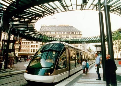 Tranvía en Estrasburgo, Francia.