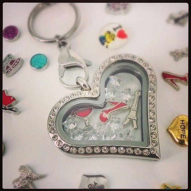 E sambata! Sa fim elegante zic! #bijuterra #bijuterii #desambata #bijuteriicupoveste #party #memories #amintiri #cadouri