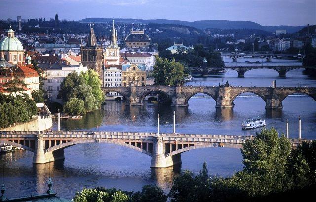 Prag gezi notları. Prag'da gezilecek yerler, hava durumu, bedava gezi önerileri, fotoğraflar, eski kent, döviz bozdurma, Çek parası, seyahat, bilgi, müze.