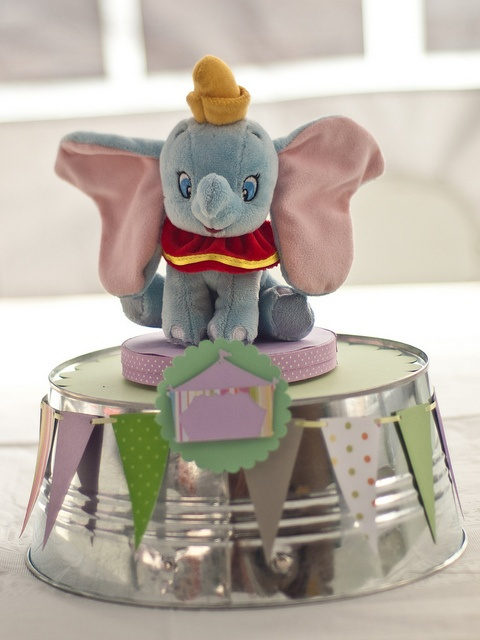Pamela Gutierrez Loera: Dumbo's Circus Baby Shower Click though for pics with lavender and green circus theme