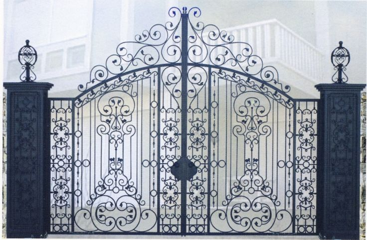 1000 images about forged gates on pinterest iron gates metal gates and wrought iron - Portail fer forge ...