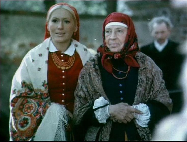 """Emilia Krakowska - """"Chłopi"""", Polska, 1973, reż. Jan Rybkowski; obsada: Bronisław Pawlik, Emilia Krakowska, Ignacy Gogolewski, Krystyna Królówna, Władysław Hańcza. Czytaj wiecej: http://alekino.com.pl/program/film/chlopi_19685#ixzz3T9tU0AG4"""