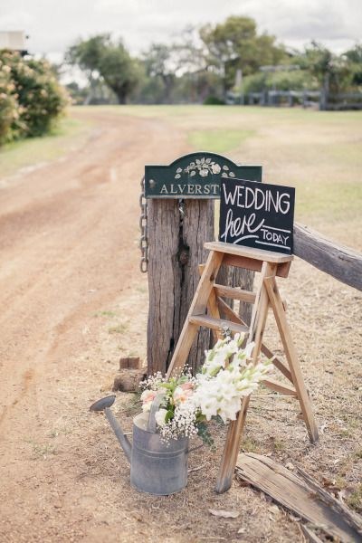 Beautiful country wedding: http://www.stylemepretty.com/australia-weddings/western-australia-au/2014/08/07/beautiful-country-wedding/ | Photography: http://iheartweddings.com.au/