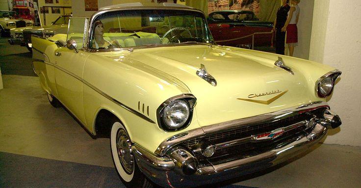 1957 Chevrolet Belair Convertible | Álomautó Múzeum | Veterán autó bérlés | Oldtimer autók | Amerikai veterán autók | Régi amerikai autók | Veterán autó bérlés esküvőre és rendezvényre