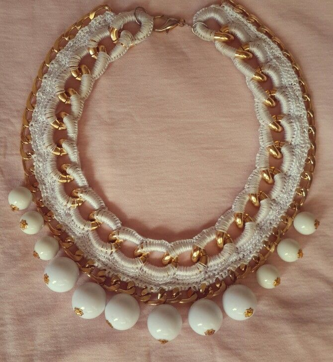 Crochet chain necklace gold