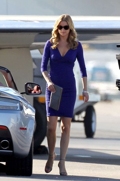 Emily VanCamp from my fav show Revenge... one day when I'm going on important business lunches I will wear this dress
