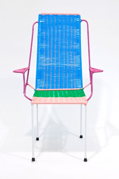 Marni commissions South Africans to design chairs based on traditional designs http://www.marni-anticamera.com/static/numero2/img/sedie/DESCANSO_01.jpg