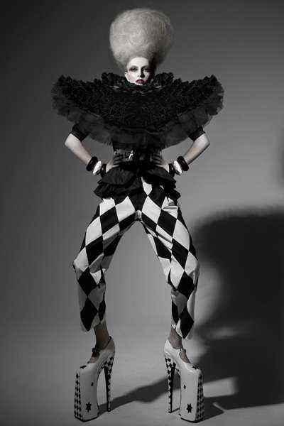 44 Couture Clown Fashion Finds - From Classy Clown Editorials to Charismatic Clown Campaigns (TOPLIST)