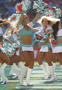 Photos of the hottest NFL cheerleaders from Week 17 of 2014 season