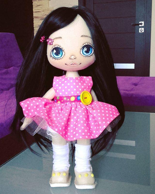 Куколка продается. Рост 32 см. Стоит самостоятельно. Вся одежда съемная. Цена…