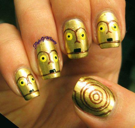 C3P0 #flightofwhimsy #nailart #metallicnails #spiral - bellashoot.com