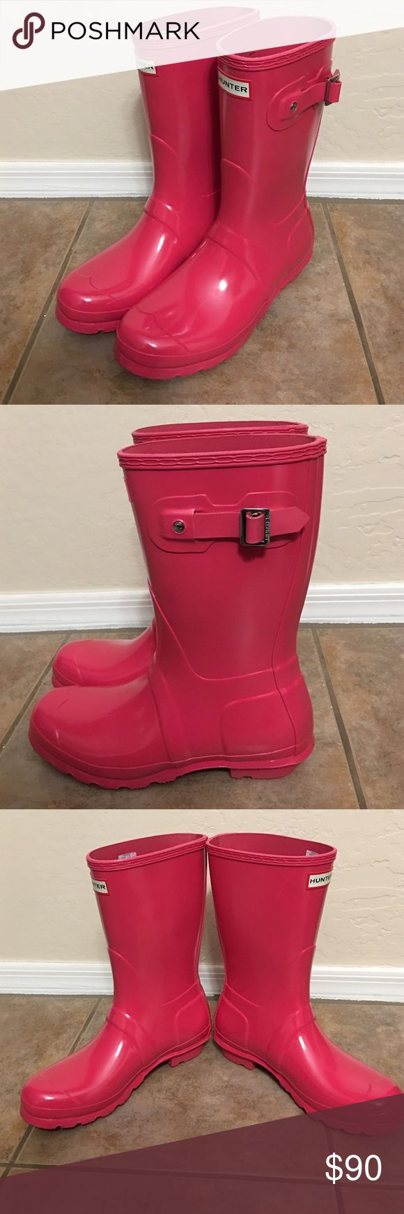 Hunter Original Short Rain Boot Wellies sz 8 No Box, No Trades, Freshly cleaned and gently used, shoes little wear on bottom soles Hunter Boots Shoes Winter & Rain Boots
