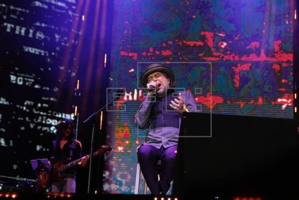 Joaquín Sabina deslumbra a Quito con concierto en que se muestra rejuvenecido