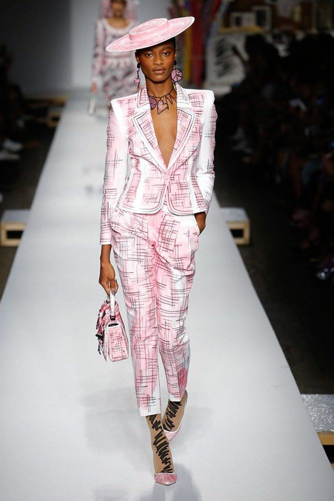 130a9f741df Moschino Spring 2019 Ready-to-Wear Fashion Show in 2019