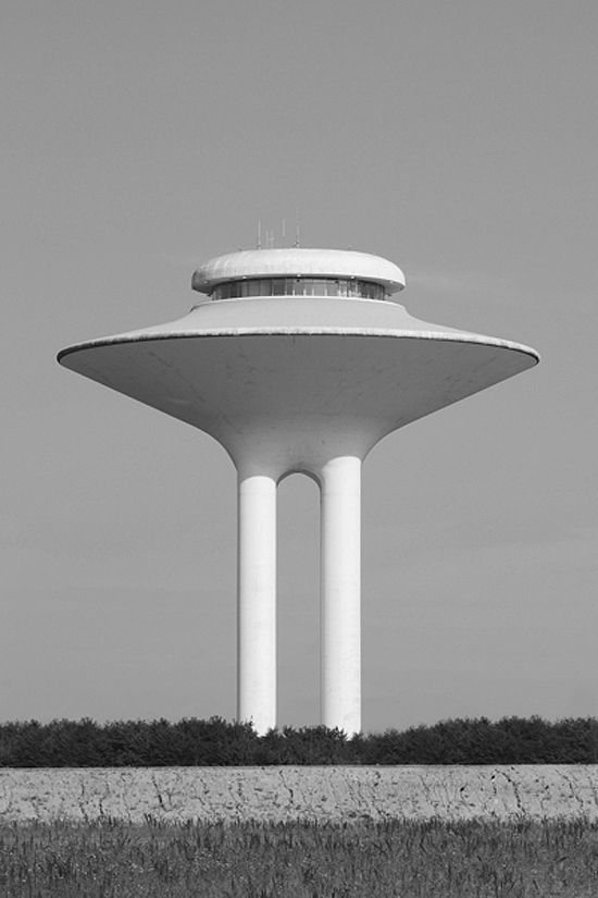 water tower - check out the work of - Bernd and Hilla Becher - http://photography-now.net/bernd_and_hilla_becher/portfolio1.html