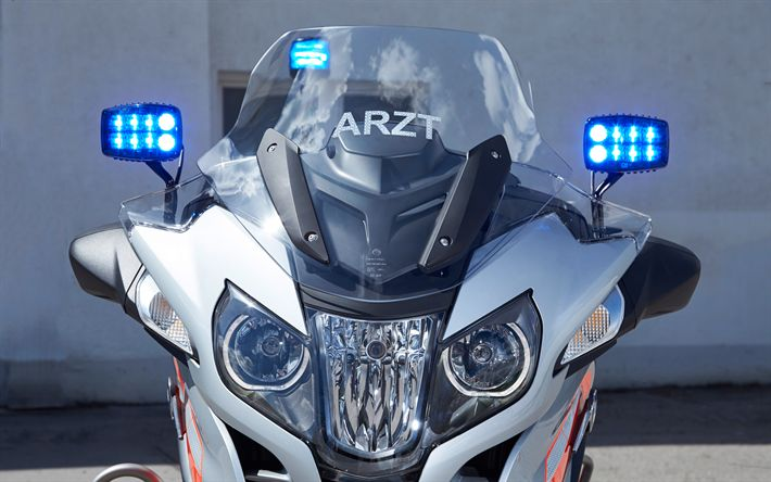 Download wallpapers BMW R1200RT, 2018, blue emergency lights, medical motorcycle, BMW