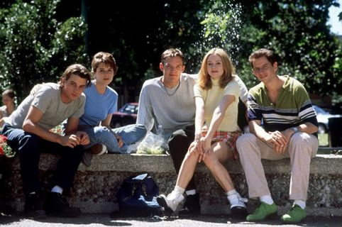 Scream-cast-at-fountain - Scream (1996 film) - Wikipedia, the free encyclopedia