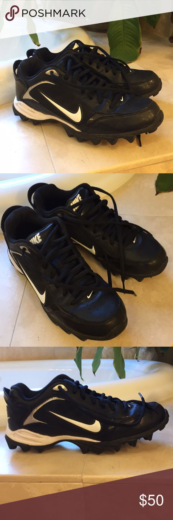 Nike Boys Land Shark Football Cleats Perfect condition! Worn once for team photos. Like new. Nike Shoes