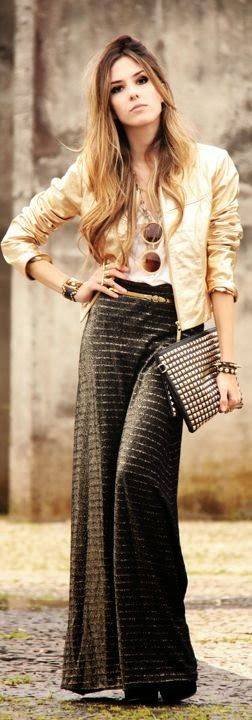 Beautiful long skirt with cardigan and clutch | Glamrous fashion