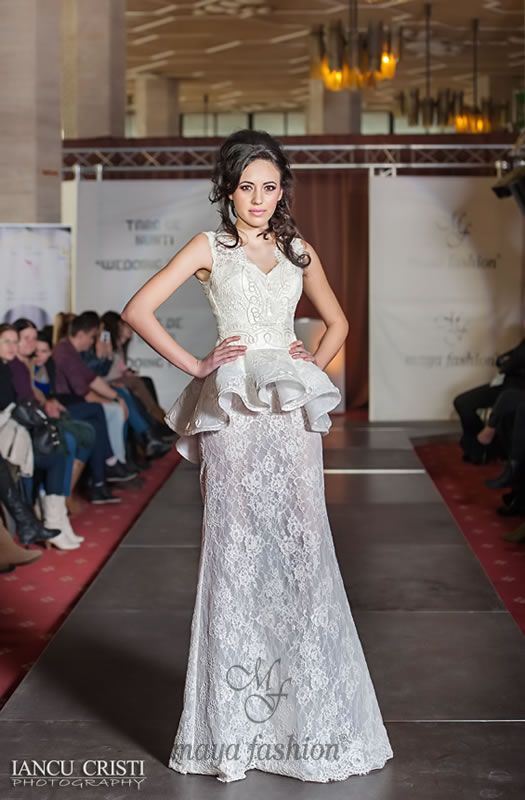 http://www.mayafashion.ro/rochie-mireasa-m73-13