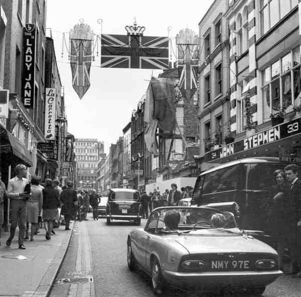 Carnaby Street (1966)