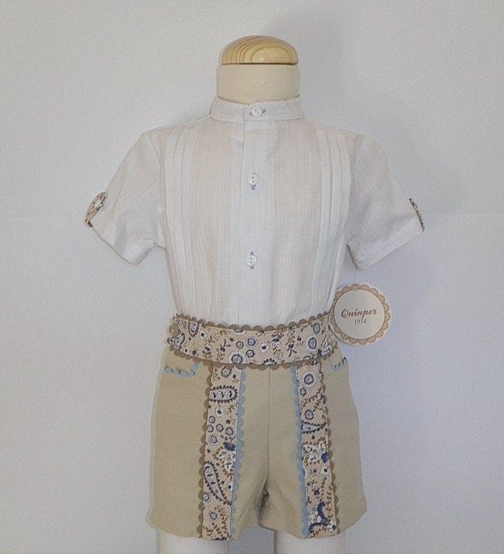 Conjunto para niño hasta 48 meses. Pantalón color cámel con suave estampado en cashemire.