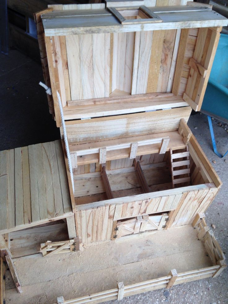 Kids toy barn- 100% recycled timber