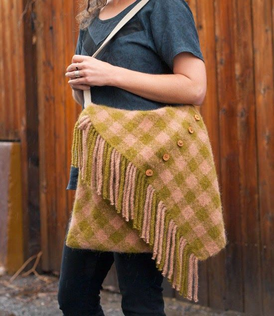 This rustic 70's inspired bag is a snap to make! Pull out your Cricket Loom and start weaving your very own today!