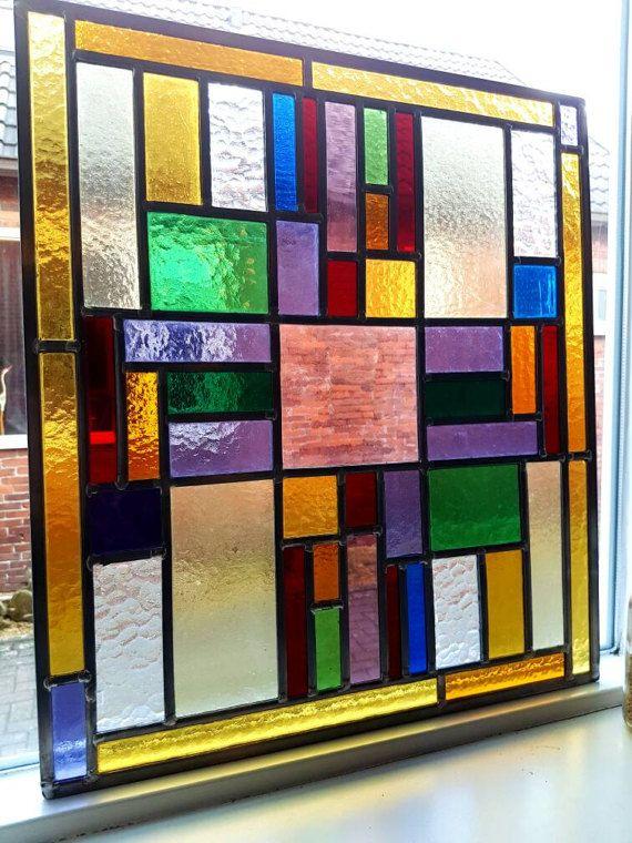 Glas in lood paneel van antiek glas, verschillende kleuren antiek glas in raamhanger hergebruikt in lood omrand glas in lood paneel
