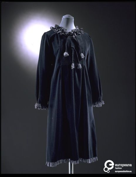 Velvet smock dress designed by Gina Fratini, London, 1972, Courtesy Victoria and Albert Museum