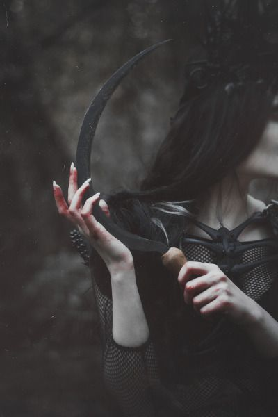 NATALIA DREPINA Model: @jennydagon Costume Designer: Agnieszka Osipa